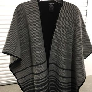 Gray poncho thick sweater